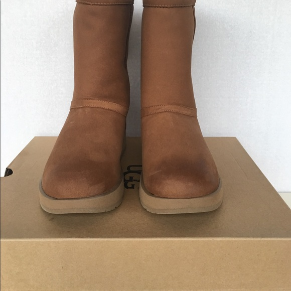 a8c159fc79d42 New classic UGG Women Short Leather Waterproof . NWT
